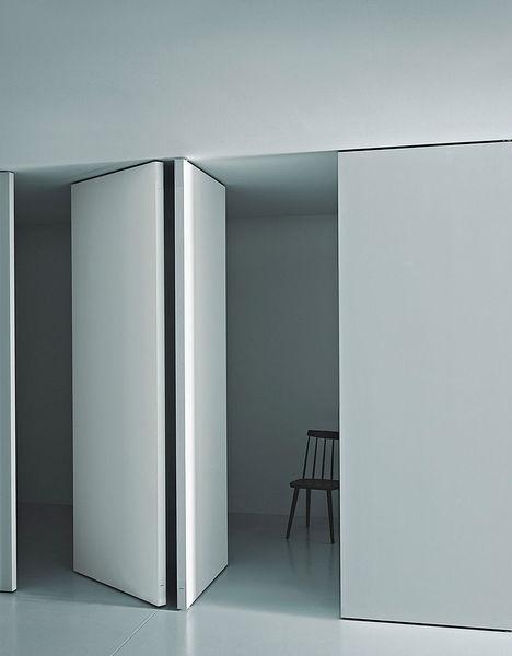 Puerta de madera lisa color blanco